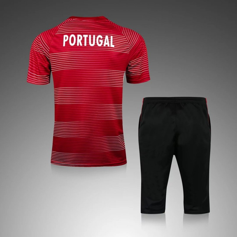 maillot training portugal rouge maillot de foot pas cher. Black Bedroom Furniture Sets. Home Design Ideas